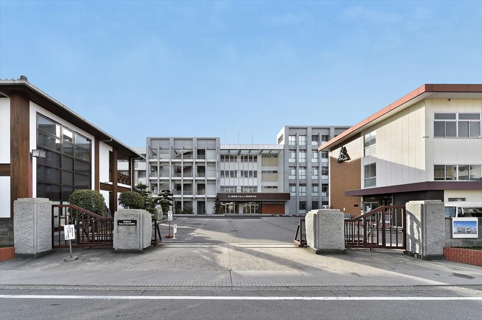 愛媛県立松山工業高等学校 本館